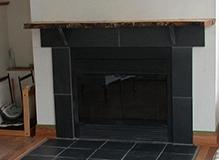 foyer fire place with slate foyer et ardoise